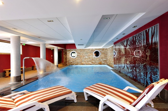 residence-club-risoul piscine4 hiver
